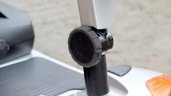 Adjustable handlebar angle